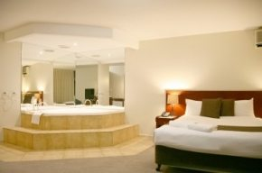 Luxury Spa Suite  in our South Melbourne Hotels